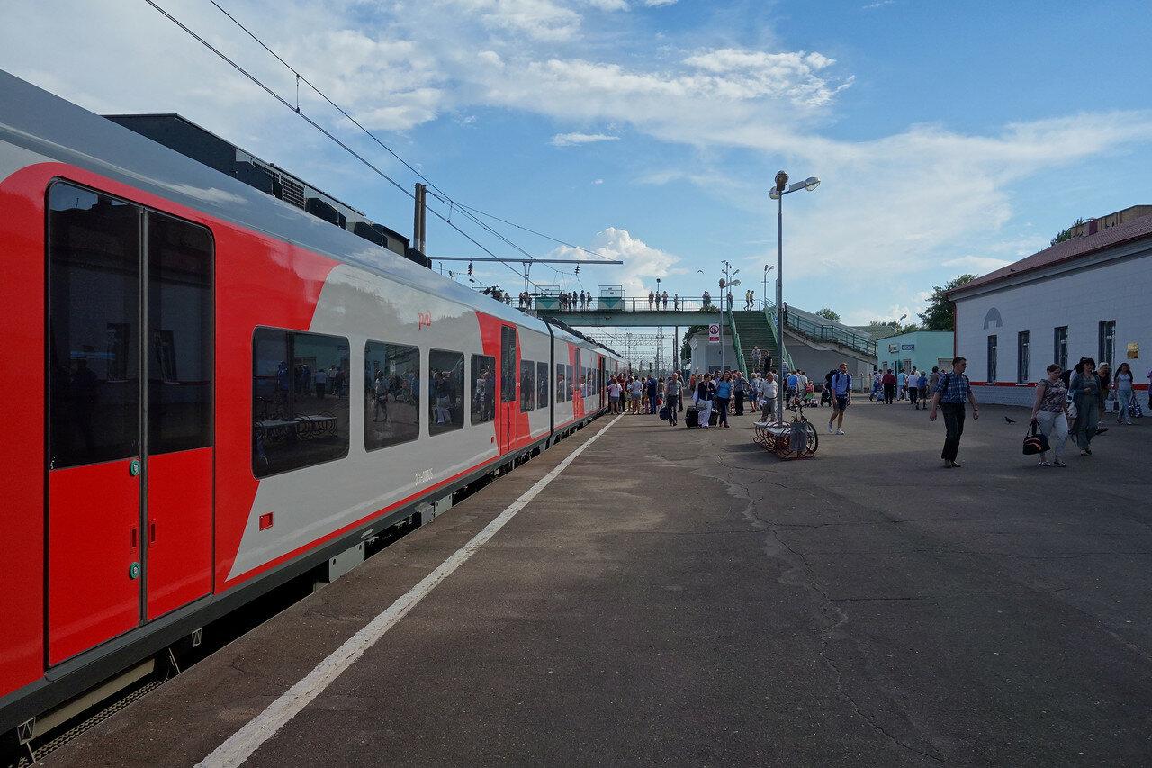 """""""Ласточка"""" на станции Вязьма"""