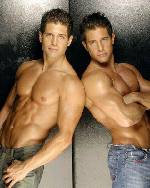 гей фото парней братьев