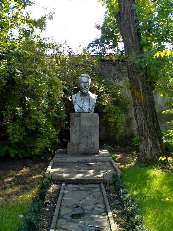 """Бюст Чехова, музей """"Домик Чехова"""", Таганрог"""