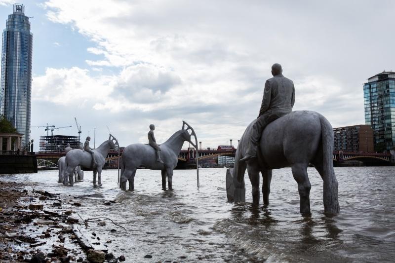 Эти скульптуры вЛондоне можно увидеть лишь дважды вдень