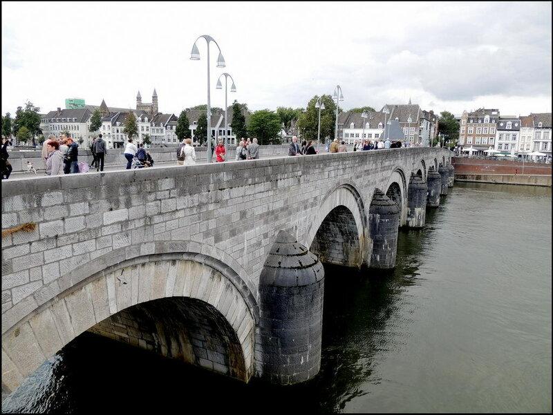 Maastricht 7100 Sint Servaasbrug.JPG