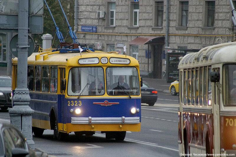 Осень. Парад троллейбусов. 24.10.15.17..jpg