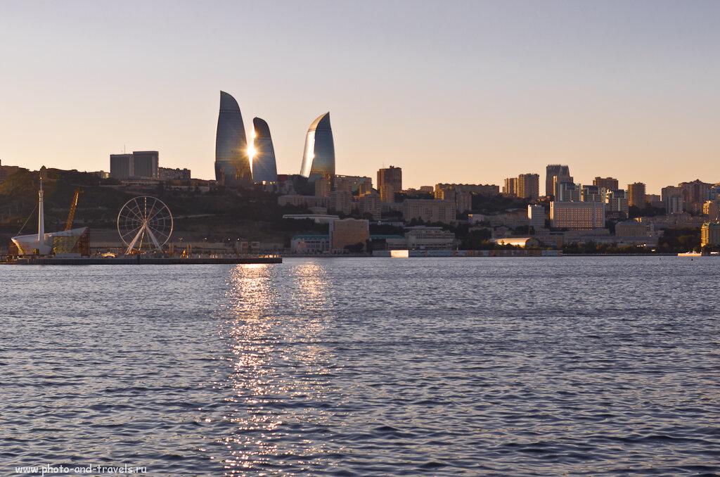 Фотография 5. В каждом городе власти норовят испортить исторический городской ландшафт и вставить какого-нибудь уродца из стекла и металла. Власти Баку - не исключение.