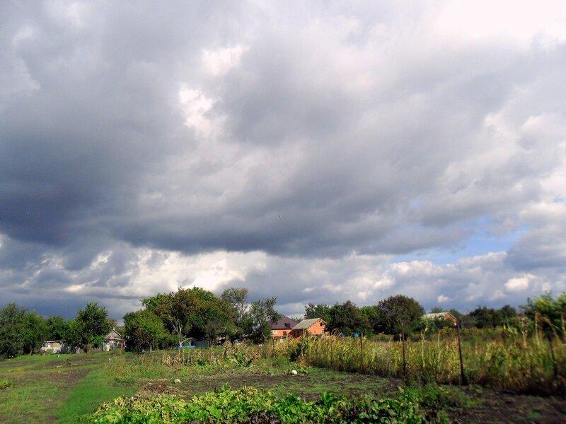 Облака, деревенский пейзаж
