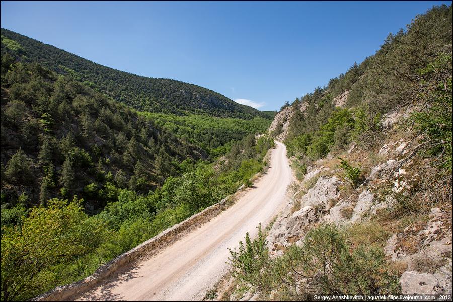 Старая дорога над каньоном Узунджа