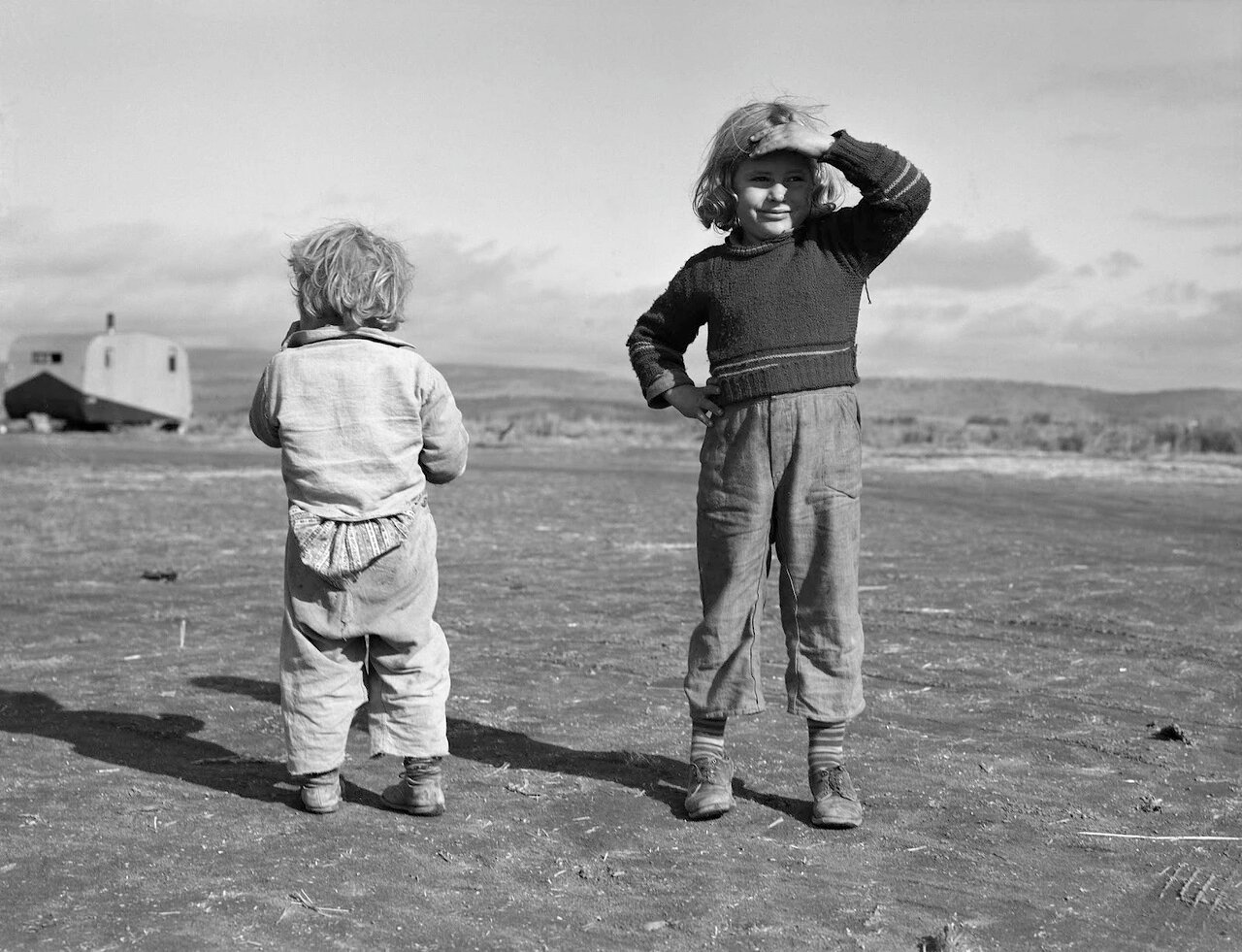 Дети сезонных рабочих. Меррил, Округ Кламат, Орегон, 1939