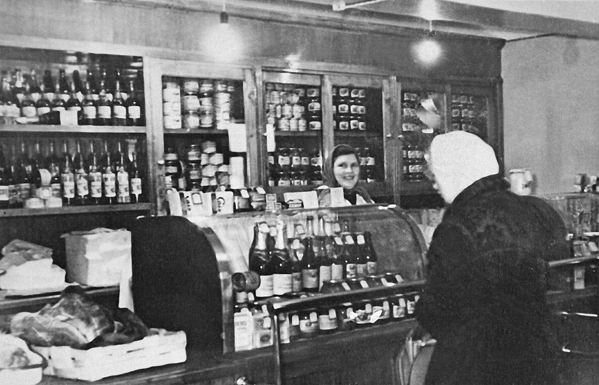 1963. Магазин на о. Бревенник
