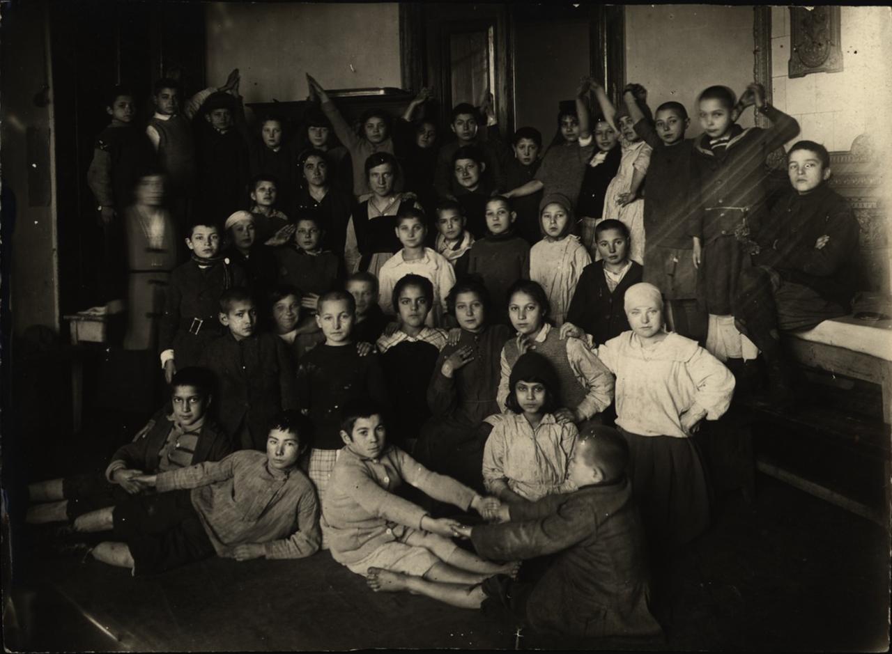 Минск. Детский городок. Гимнастическая группа. 1920-е - 1930-е.