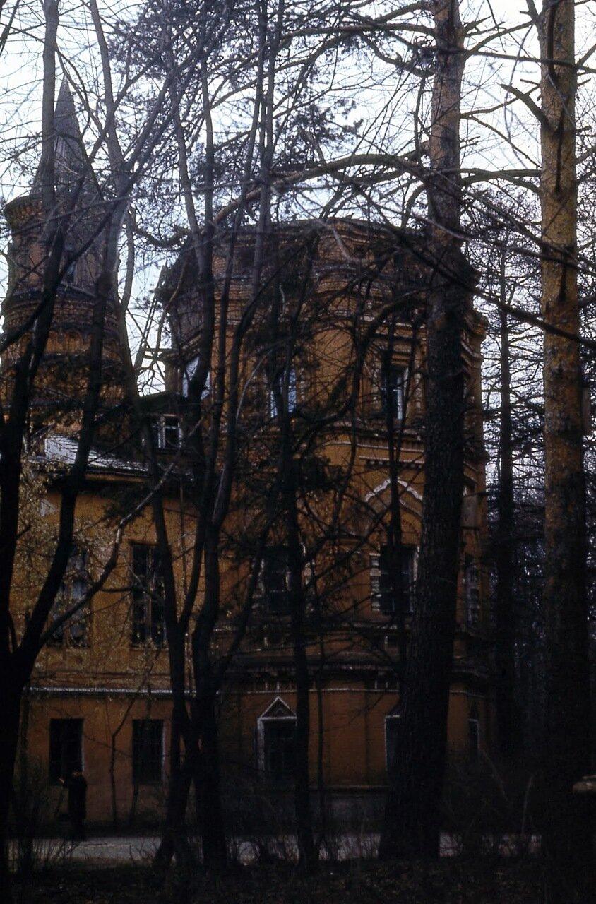 Усадьба Покровское-Стрешнево. Главное здание