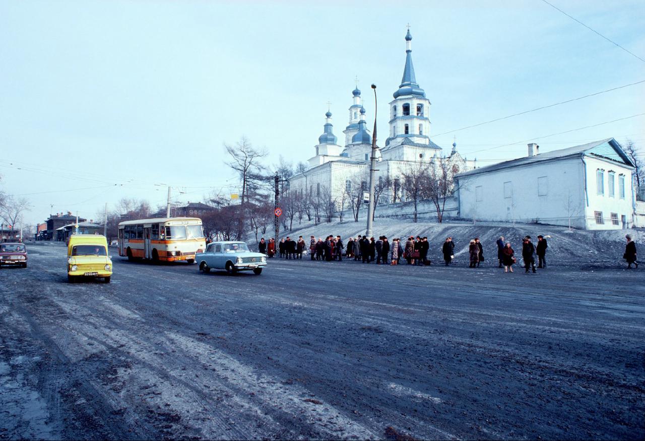 Иркутск. Крестовоздвиженская церковь. Угол Седова и Тимирязева