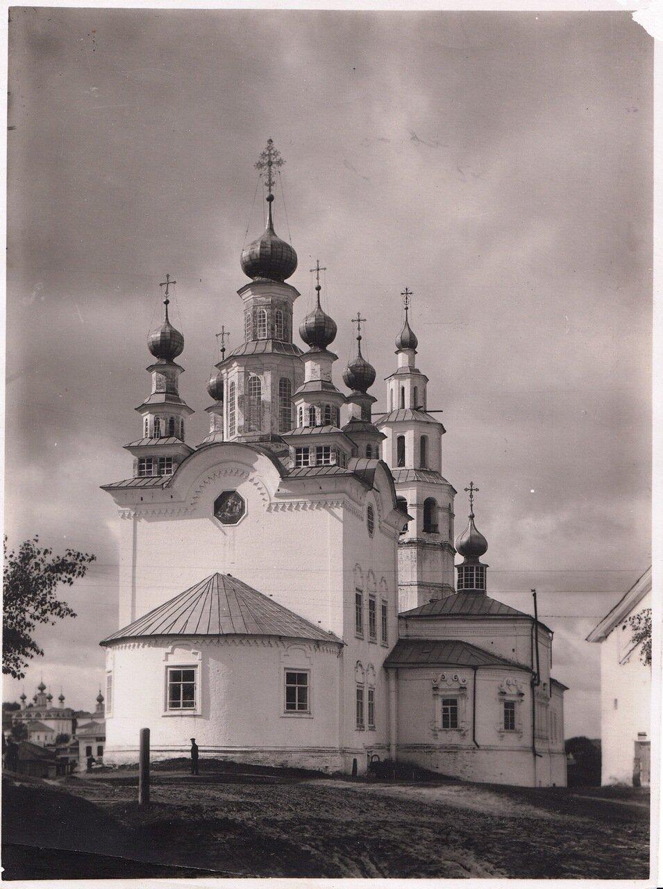 Воскресенская и Рождественская церкви