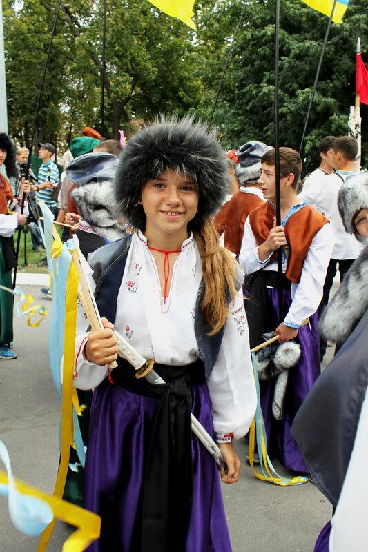 Участница Парада вышиванок 2013