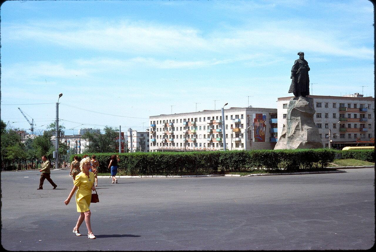 Хабаровск. Привокзальная площадь