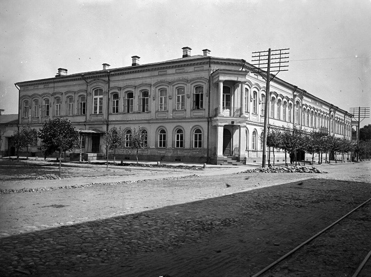 Общий вид Реального училища. 1903 г.