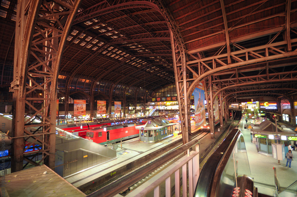 Hauptbahnhof-(7).jpg
