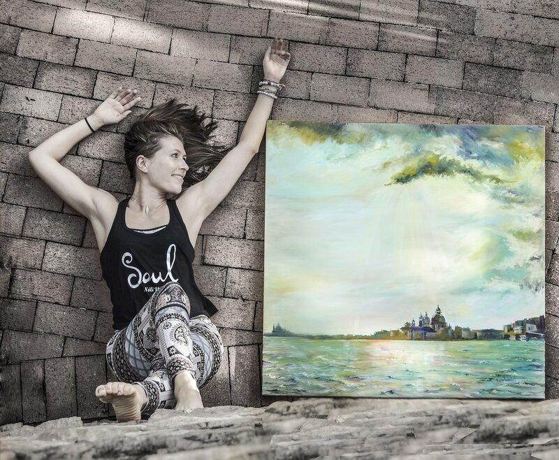 Дочь и её картина.