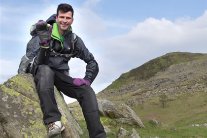 Англичанин решил носом закатить кочан брюссельской капусты на гору Уэльса