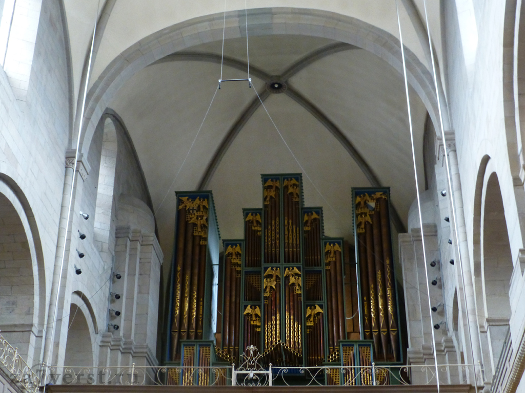 Собор Гроссмюнстер (Grossmunster), Цюрих, Швейцария