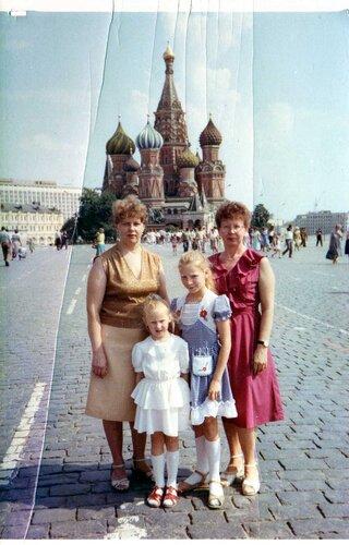 С сестрой и племянницами совсем недавно.jpg