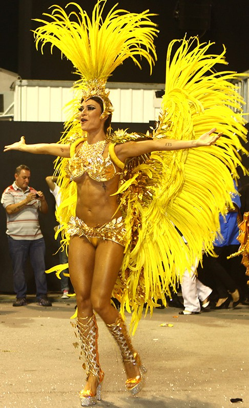 Бразилия карнавал видео ню онлайн 8