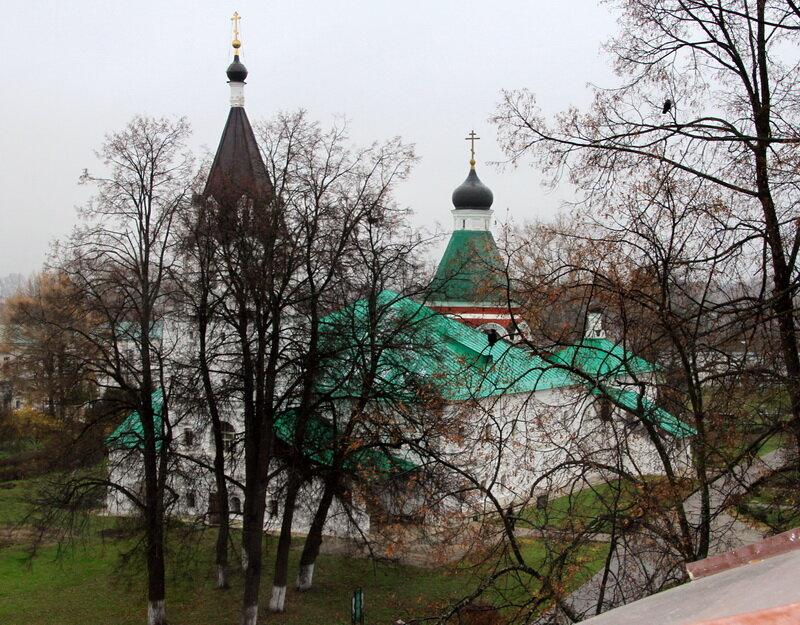 2013-10-19 Александров. Распятская шатровая церковь. Иже под колоколы (1570)