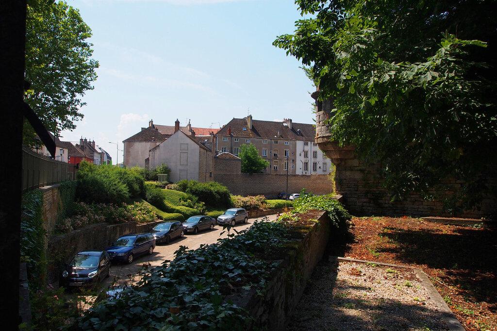 Средневековые оборонительные стены