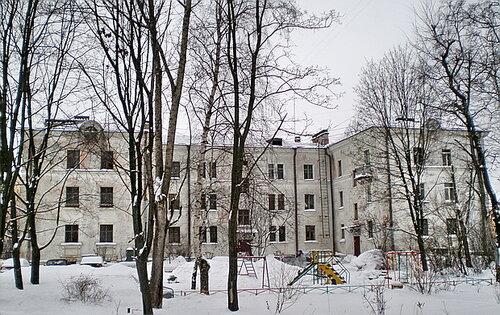 ул. Лётчика Пилютова 12