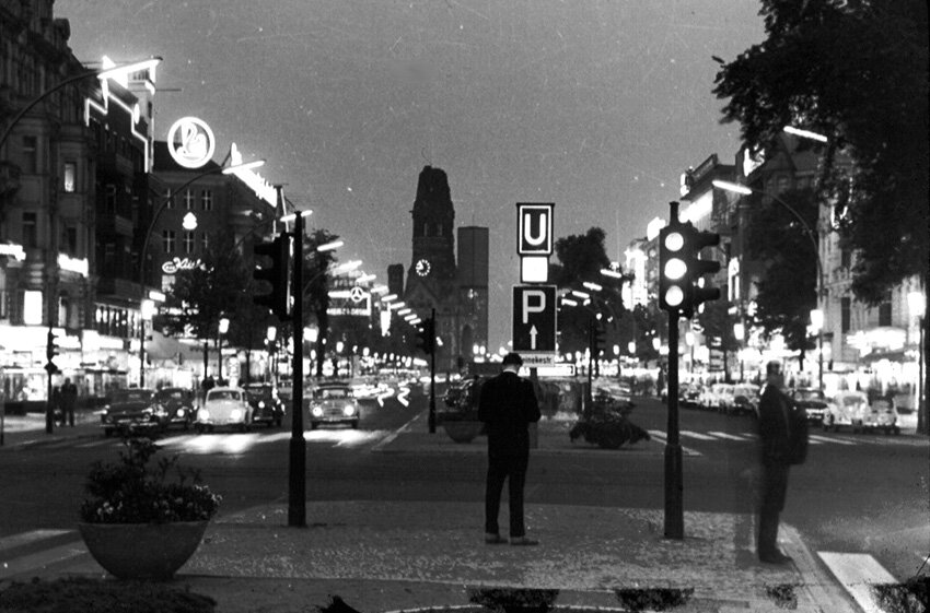 1963. Курфюрстендамм ночью