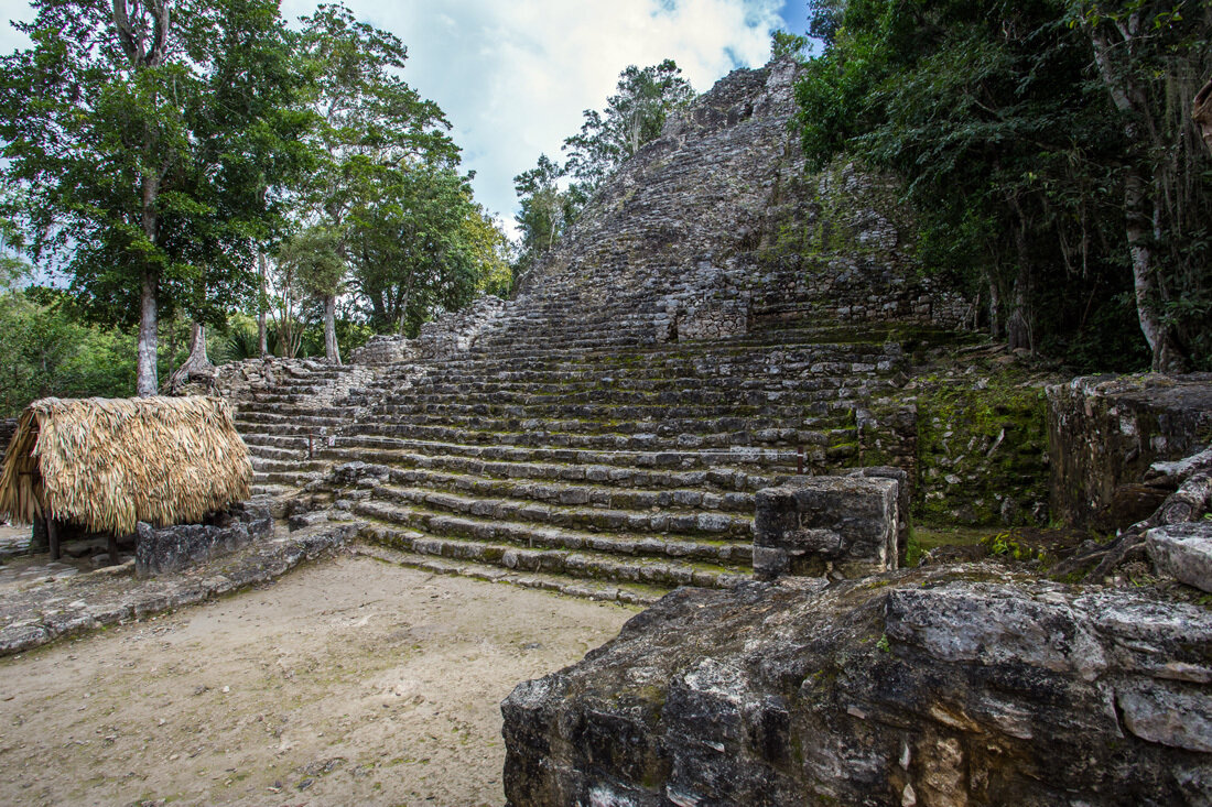 maya civilization and guatemala The maya civilization itself consisted of various distinct groups who inhabited a vast 1992 a quiché maya woman from guatemala named rigoberta menchu .