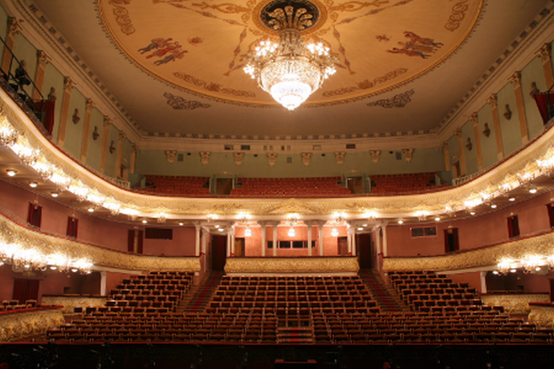 Вид со сцены на зрительный зал (07.11.2013)