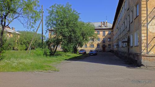 Фото города Инта №5206  Западная сторона Геологической 1 16.07.2013_12:48