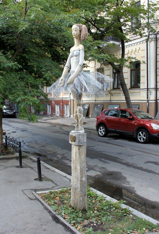 необычная скульптура киев