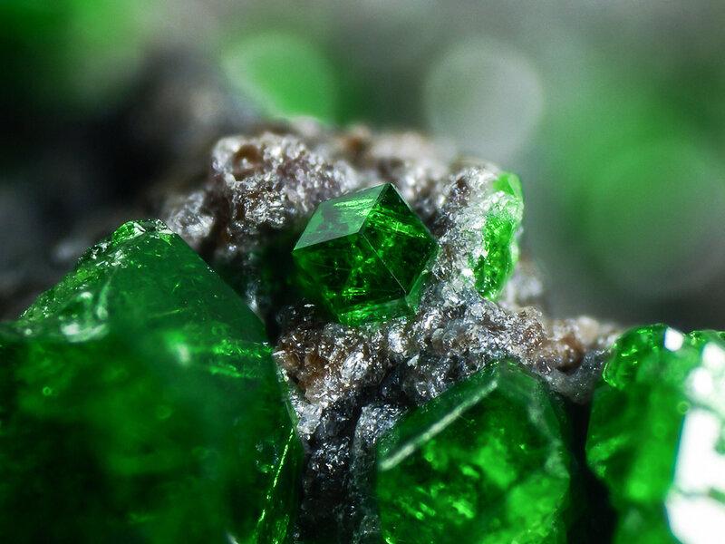 Лазурит, малахит. Красивые минералы