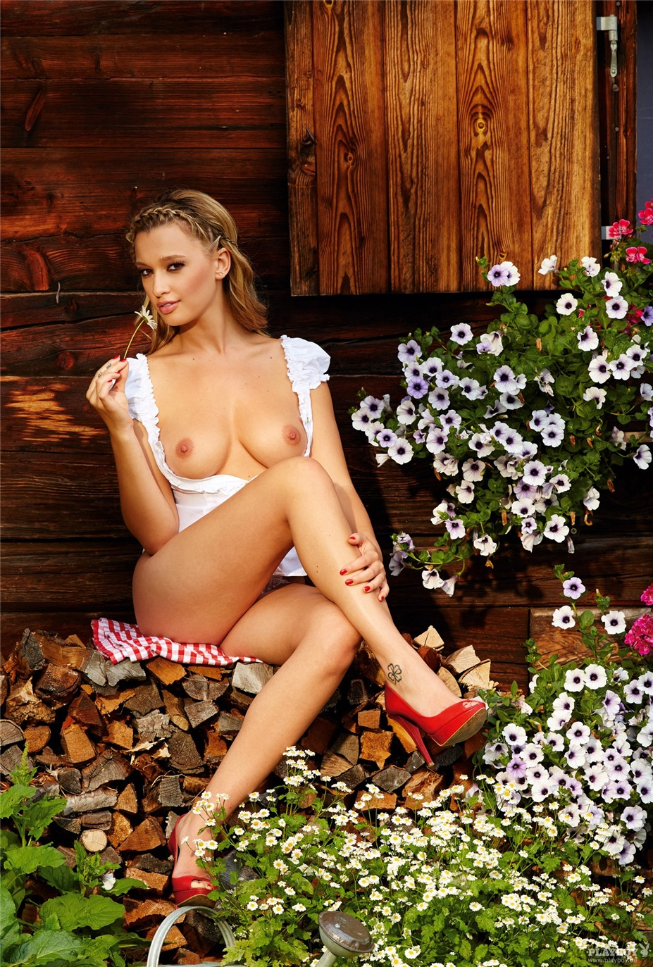 Девушка месяца Каролина Витковска / Karolina Witkowska - Playboy Germany october 2013 playmate