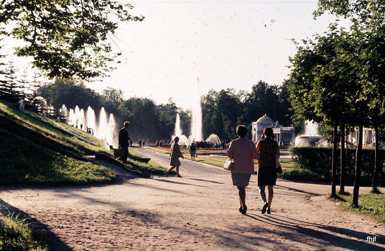 Approaching fountains - Ektachrome