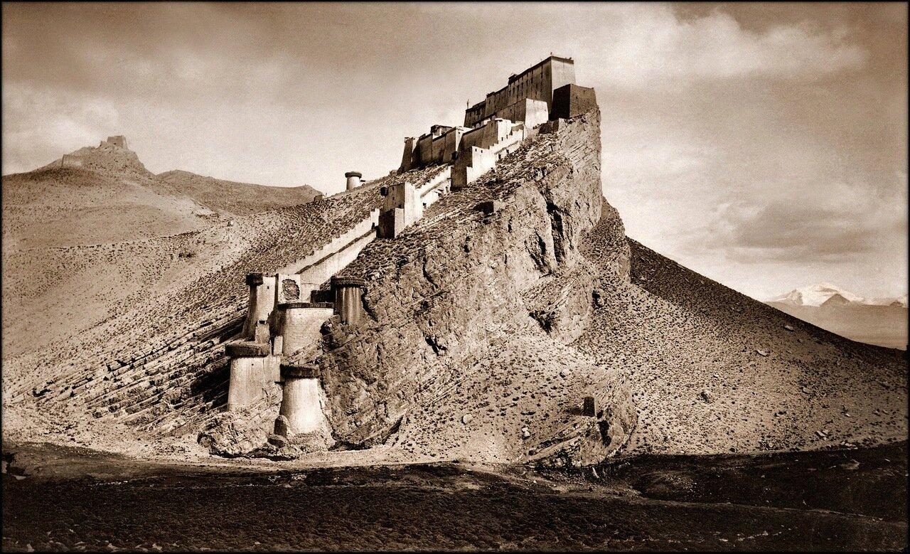 1904. Кампа-Дзонг (Розовая вершина), Тибет