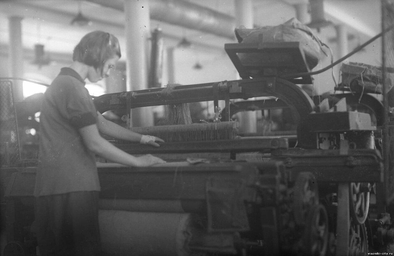 Ткацкий станок фабрики-школы 1931