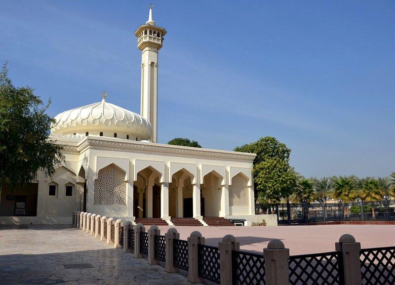 У мечети