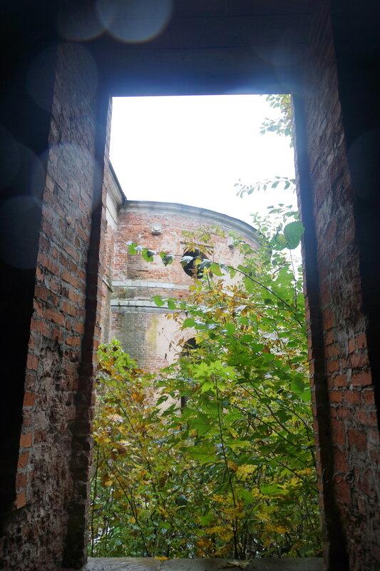 Усадьба Ивановское, развалины театра, Подольск, 2013