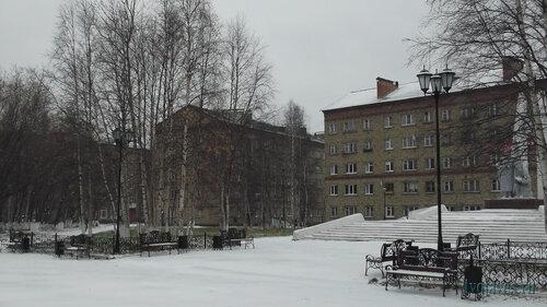 Фото города Инта №5993  Бабушкина 4 и Социалистическая 3а 01.10.2013_12:15