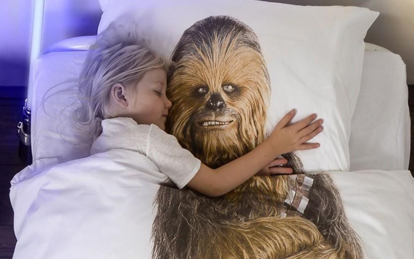 Нидерландский бренд SNURK запустил линию постельного белья с принтами героев саги «Звёздные войны»: