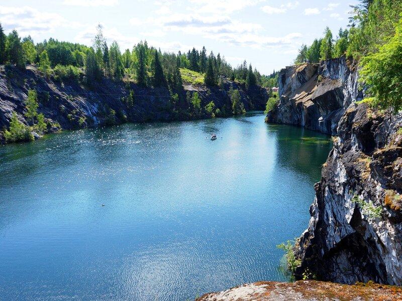 Мраморный карьер в горном парке Рускеала