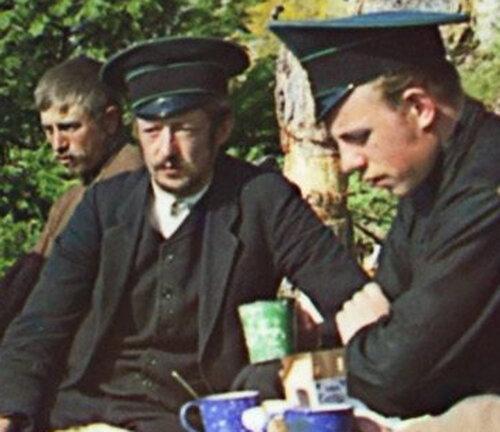 Nochevka 00747u Ночевка у камня на берегу Чусовой.1912а.jpg