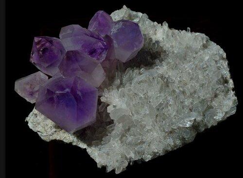 Соль земли! Потрясающей красоты минералы. Аметист в кварце