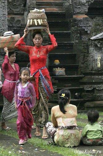 Религиозная церемония в балийском храме