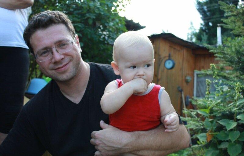 а я вспоминаю, как лет 15 назад около нашего дома в Таганроге открыли ав