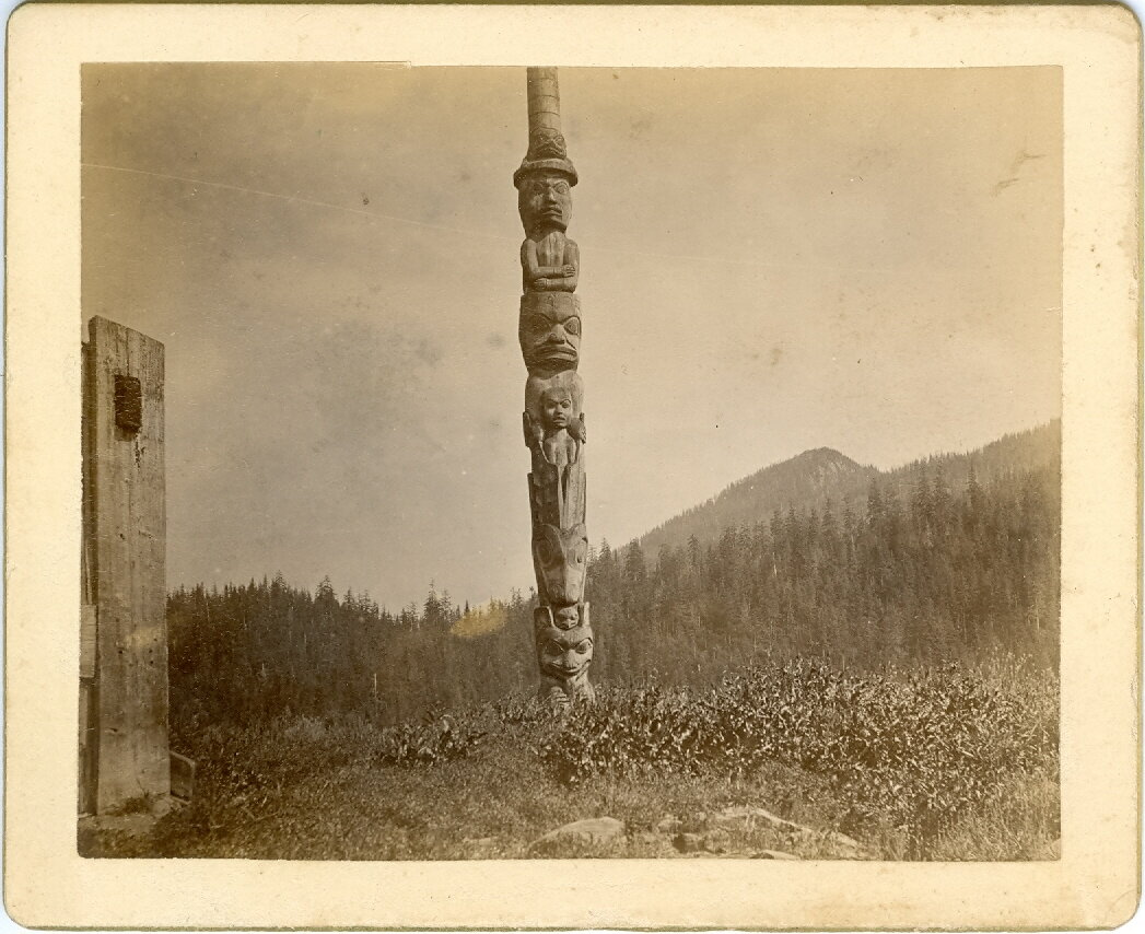 1880. Тотем на острове Врангеля