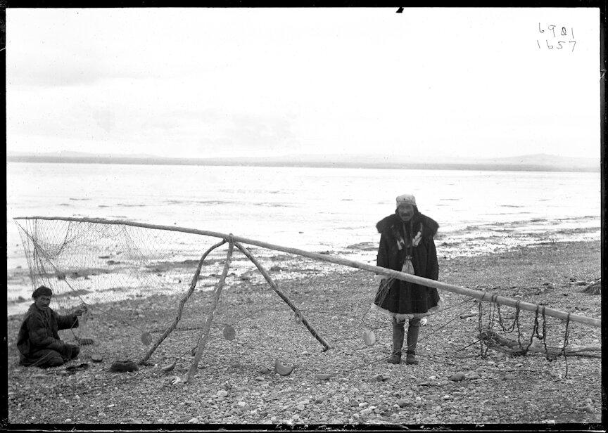 Коряки с рыболовной сети