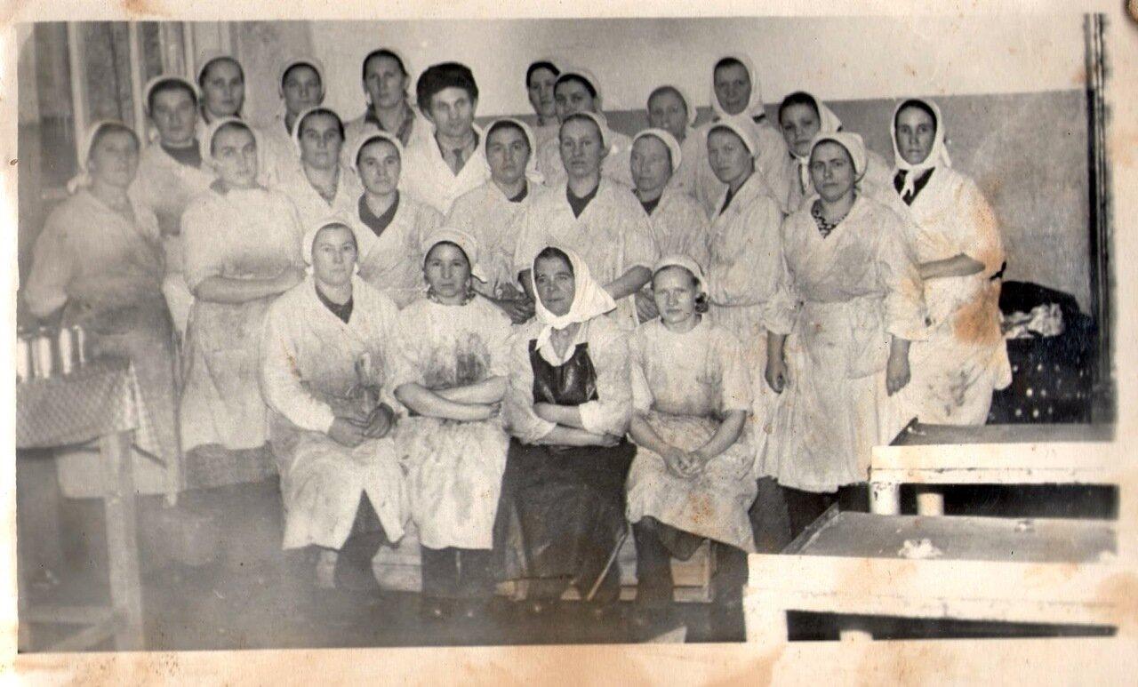 1960. Коллектив жестянобаночного цеха Поречского консервного завода