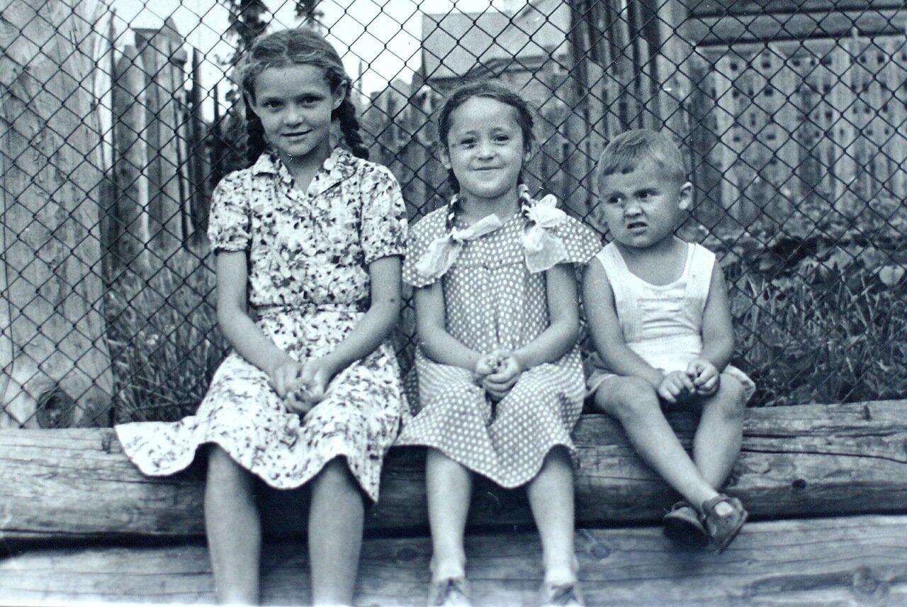 1962 г. На завалинке. Пермь